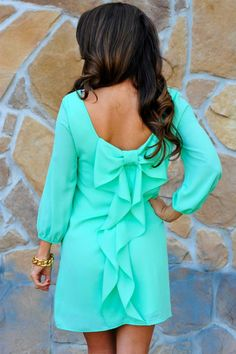 Love this dress color and style, long will be perfect for a bridesmaid