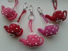 Theepot sleutelhangers haken. Crochet mini theepot.