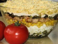 Warstwowa sałatka z kurczakiem - Przepisy kulinarne - Sałatki Tortellini, Feta, Salads, Curry, Vegetables, Pineapple, Curries, Vegetable Recipes, Salad