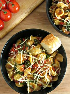 One-Pot Italian Orecchiette Soup Ingredients 12 oz orecchiette pasta 4 cups chicken broth 8 oz baby spinach 15 oz diced tomatoes (in can) 1 cup diced yellow onion 3/4 cup Julienne sun-dried tomatoes (dry, not in oil) 4 oz prosciutto 6 cloves diced garlic 2 tbsp light butter 1 tsp basil 1 tsp oregano