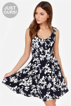 simple and cute - LULUS Exclusive Glass Half Foliage Navy Blue Floral Print Dress at LuLus.com!