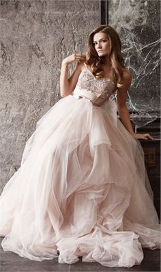 Beaded Sweetheart Ball Gown Wedding Dresses With Lace Applique Princess Wedding Gowns Pink Robe de Mariage 2016