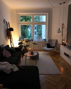You want the space to reflect your personal style without feeling cluttered and … - Decoration, Room Decoration, Decoration Appartement, Home Decor, Bedroom Decor Living Room Decor, Living Spaces, Bedroom Decor, Wall Decor, Ikea Bedroom, Bedroom Plants, Wall Art, Deco Studio, Small Apartment Decorating