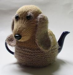English Cocker Spaniel Tea Cosy Knitting Pattern by TeaCosyFolk Tea Cosy Knitting Pattern, Tea Cosy Pattern, Knitting Wool, Knitting Patterns, Scarf Patterns, Knitting Tutorials, Knit Cowl, Doorstop Pattern Free, Free Knitting