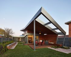 A beautiful contemporary house with a lovely roofing design.