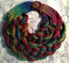 Hairpin lace is a beautiful and unique variation on crochet. Here are some Unique Hairpin Lace Crochet Patterns for you if you want to start something new. Col Crochet, Crochet Braids, Crochet Gifts, Crochet Scarves, Crochet Shawl, Crochet Clothes, Free Crochet, Braided Scarf, Hairpin Lace