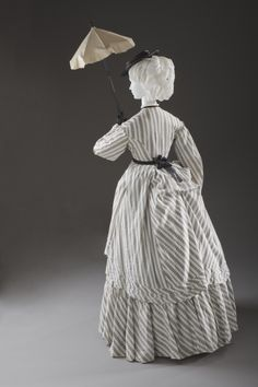 Woman's Seaside Ensemble (Overdress and Petticoat) Europe, circa 1870 Cotton plain weave, printed (M.2007.211.885a-b) | LACMA Collections