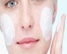 Pele oleosa ninguém merece, né? Uma pele oleosa pode ser resultado da própria genética ou relacionada aos hormônios e a hábitos alimentares.