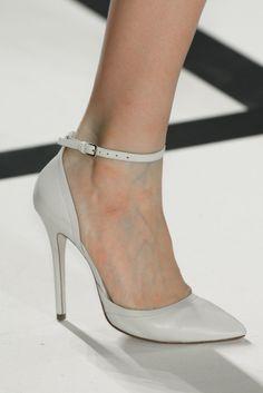 Ankle strap pumps: Los tacones tendencia para primavera-verano 2014. ¡Sexies! ELIE SAAB.