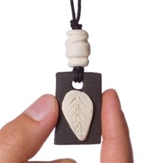 White Leaf Clay Pendant Diffuser