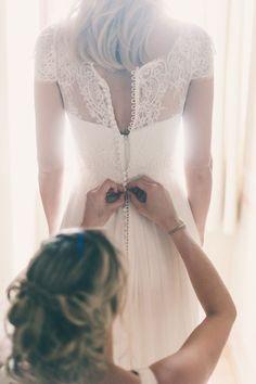 18 Must Take Photos Of Your Wedding Dress ❤ See more: http://www.weddingforward.com/must-take-photos-wedding-dress/