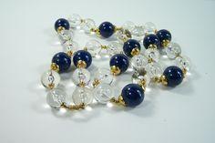 Long collier boules bleues et translucides coupelles or acrylique vintage 1960's de la boutique MyFrenchIdeedAntique sur Etsy