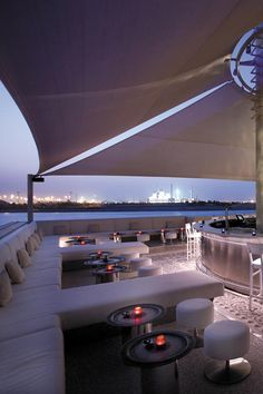 Drink and party by the sea at Shangri La Abu Dhabi