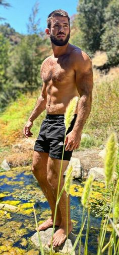 Outdoor Men, Men Hiking, Bear Men, Male Feet, Hairy Chest, Hairy Men, Good Looking Men, Beard Styles, Male Beauty