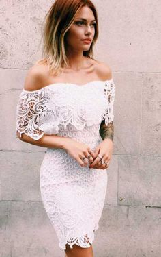 """20+ Dantelli Elbise Modelleri """"20+ Dantelli Elbise Modelleri""""  https://yoogbe.com/elbise-modelleri/20-dantelli-elbise-modelleri/"""