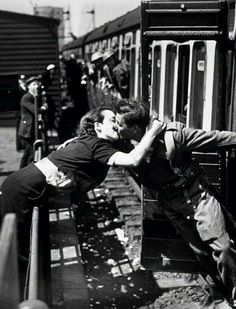 last moments together. The 50 Most Romantic Things That Ever Happened.war time goodbyesThe 50 Most Romantic Things That Ever Happened. Romantic Things, Most Romantic, Romantic Moments, Romantic Weddings, Beautiful Things, Vintage Romance, Vintage Love, Vintage Kiss, Photo Couple