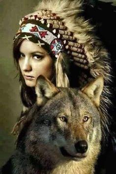 MUJER HERMANA DE LOBOS / WOMAN SISTER OF WOLVES