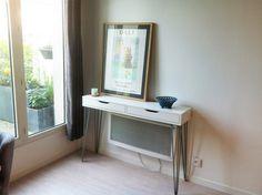 Nous vous proposonsde découvrir un artisan français qui propose de jolispieds pour customiser vos meubles IKEA :www.lafabriquedespieds.com La Fabrique d
