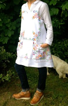Linen Cross Back Apron Hand Embroidered