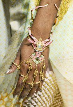Manish Arora #hindi sad diamonds