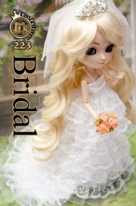 Beautiful bridal gown for Pullip dolls