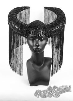 Black Crystal Horn H