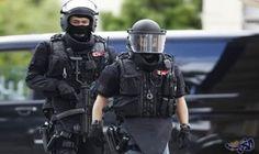 الشرطة السويسرية تحتجز 32 سويسريًا احتجوا على…