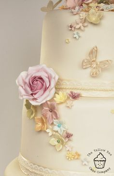 Vintage Wedding Cake - lovely colours