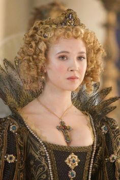 """Queen Anne of France in The Three Musketeers. Actually, she is Anne of Austria, queen of France. She was the wife of king Louis XIII and mother of """"le roi soleil"""" Louis XIV. The Three Musketeers 2011, Milady De Winter, 17th Century Fashion, 14th Century, Juno Temple, 2011 Movies, La Mode Masculine, Movie Costumes, Theatre Costumes"""
