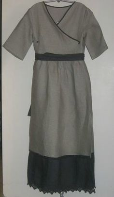 """Adult-sized dress inspiration: Japanese fashion book """"Sew It's Easy 2"""" by Bibou Chimallow; robe cache coeur 319 (everyday surplice dress)"""