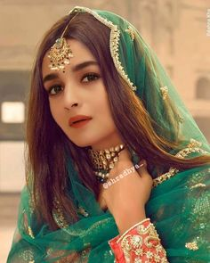 2021 Alia Bhatt Unseen Beautiful Hd Pictures And Wallpaper Alia Bhatt Photoshoot, Indian Photoshoot, Beautiful Bollywood Actress, Most Beautiful Indian Actress, Indian Wedding Outfits, Bridal Outfits, Pakistani Bridal, Indian Bridal, Bridal Lehenga