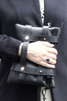 Cala&Jade bag / Tom Wood ring #streetstyle #details