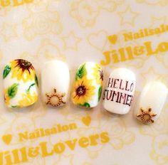 ビタミンカラーが可愛い♡夏のフラワーネイルはひまわりで決まり♡♡ - NAVER まとめ