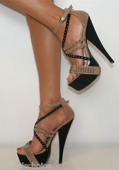 Tan & Black heels, so cute!