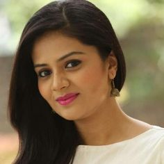 Sreemukhi (Actress) Biography, Age, Height, Weight, Boyfriend, Family, Wiki & More