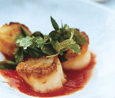 Seared Sea Scallops With Lemongrass Sauce and Basil, Mint and Cilantro Salad: Food & Diet: Self.com