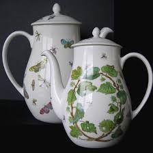 teiere con farfalle