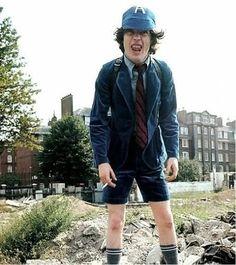 1976/05/** - GBR, London, Sheperds Bush, demolition site   Highway To ACDC : le site francophone sur AC/DC