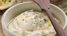 Πεντανόστιμη σάλτσα φέτας για πολλές χρήσεις