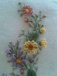 Wonderful Ribbon Embroidery Flowers by Hand Ideas. Enchanting Ribbon Embroidery Flowers by Hand Ideas. Brazilian Embroidery Stitches, Types Of Embroidery, Rose Embroidery, Hand Embroidery Stitches, Silk Ribbon Embroidery, Hand Embroidery Designs, Embroidery Techniques, Embroidery Kits, Cross Stitch Embroidery