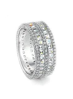 Since I dont care for a normal wedding ring, I want a flat one! #Diamond Band by Bez Ambar