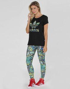 Calça Legging Adidas Originals Style Look  Composição  96% poliéster   4%  elastano  Tecido  Malha simples 195g  Cós macio e elástico 32dc7a5f3172e