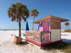 Siesta Beach quite possibly has the finest sand in Florida—and it's family-friendly too—with sandbars perfect for castle-making in shallow, calm waters.