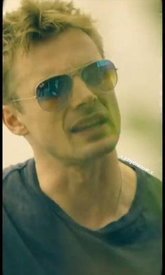 Bradley James, Thomas Brodie Sangster, Merlin, Future Husband, Eye Candy, Mens Sunglasses, Eyes, Men's Sunglasses, Cat Eyes
