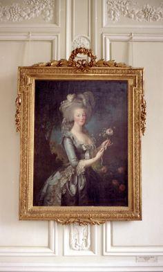 FleaingFrance.com (Marie Antoinette Portrait on Petit Chateau)