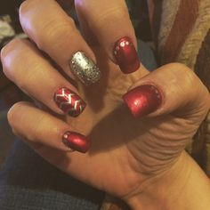 #nails #christmasnails #naildesigns #nailart #rednails