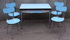 Table formica bleue, marque Elem