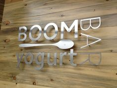 3 Tips For Creating Amazing Lobby Signs for Your Business Metal Signage, Outdoor Signage, Backlit Signage, Deco Restaurant, Restaurant Signs, Office Signage, Wayfinding Signage, Signage Display, Signage Design