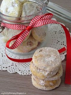 Masarykovo cukroví Holiday Cookies, Christmas Candy, Camembert Cheese, Muffin, Food And Drink, Cooking Recipes, Bread, Baking, Breakfast