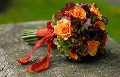 Il bouquet da sposa in autunno, ecco quali sono i fiori da scegliere